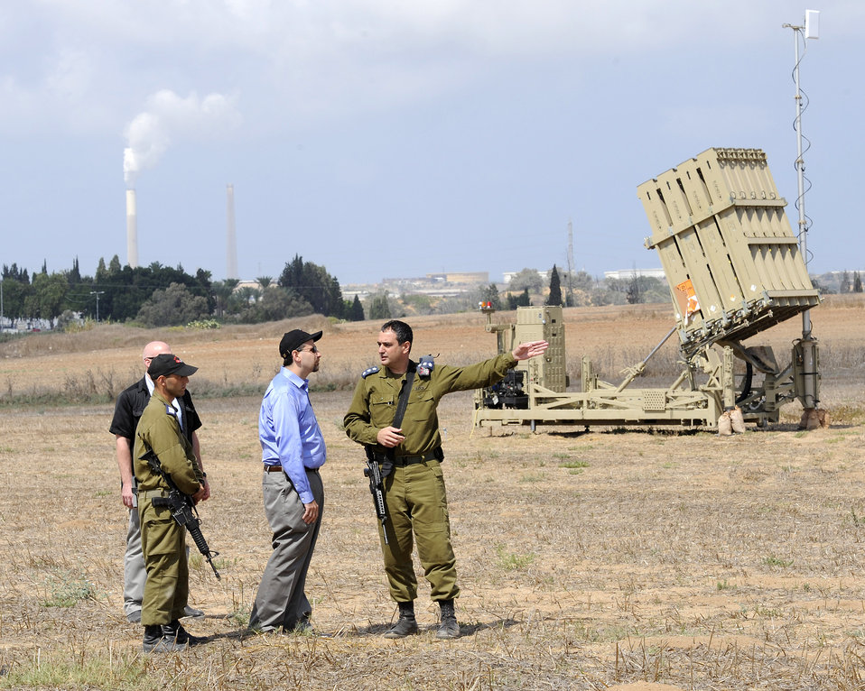 Ambassador Shapiro Tours the Iron Dome Battery in the South of Israel