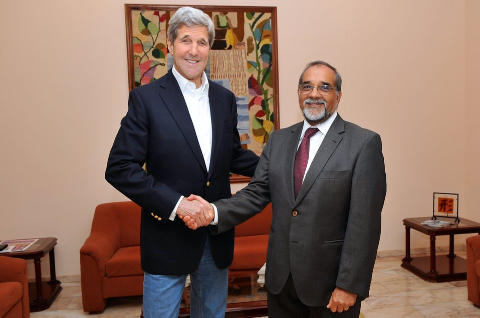 Secretary Kerry Poses For Photo With Foreign Minister Borges of Cape Verde During Refueling Stop on Sal Island
