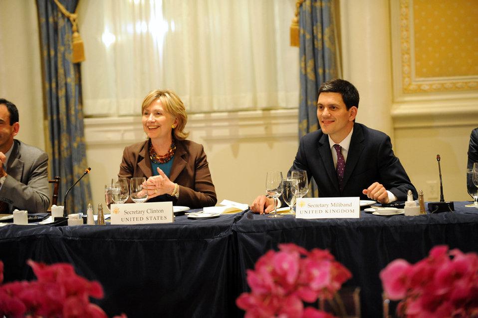 UNGA 2009: Secretary Clinton Hosts Transatlantic Dinner With EU and NATO Foreign Ministers