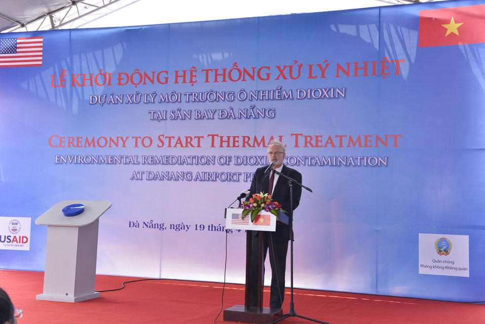 U.S. Ambassador David Shear speaks at the ceremony to turn on treatment system at Danang Airport