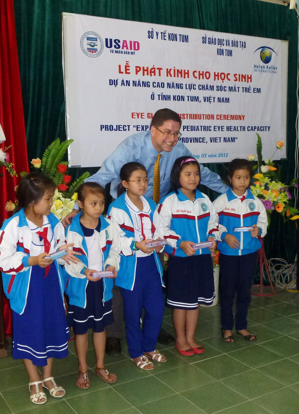 USAID and HKI support refractive error screening examination for students at Phan Dinh Phung Primary School in Kon Tum.