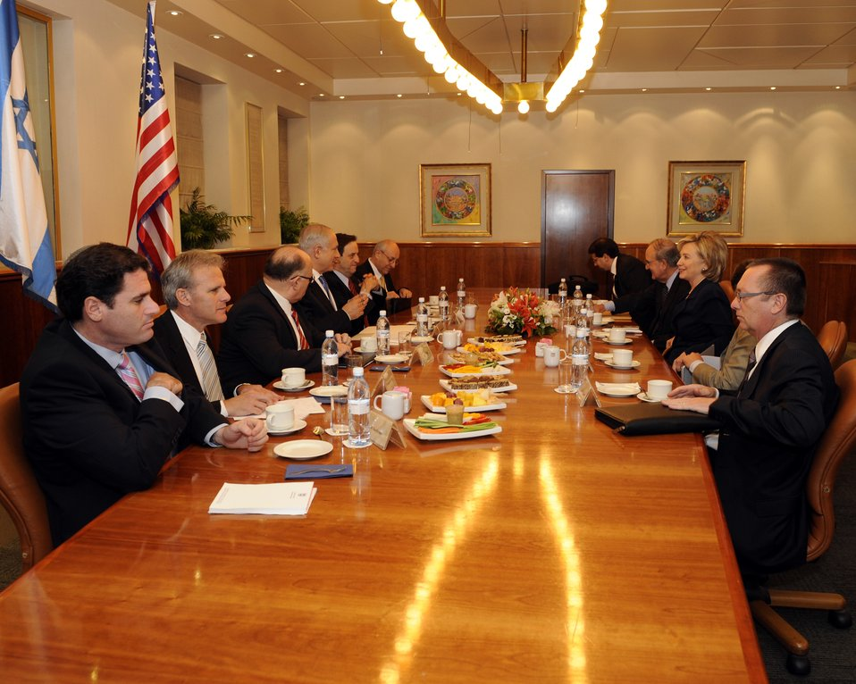 Secretary Clinton Meets With Israeli Leaders