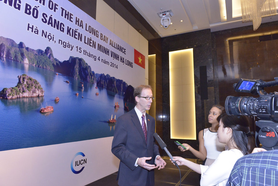 USAID Vietnam Mission Director speaks to VTC10 about the alliance.