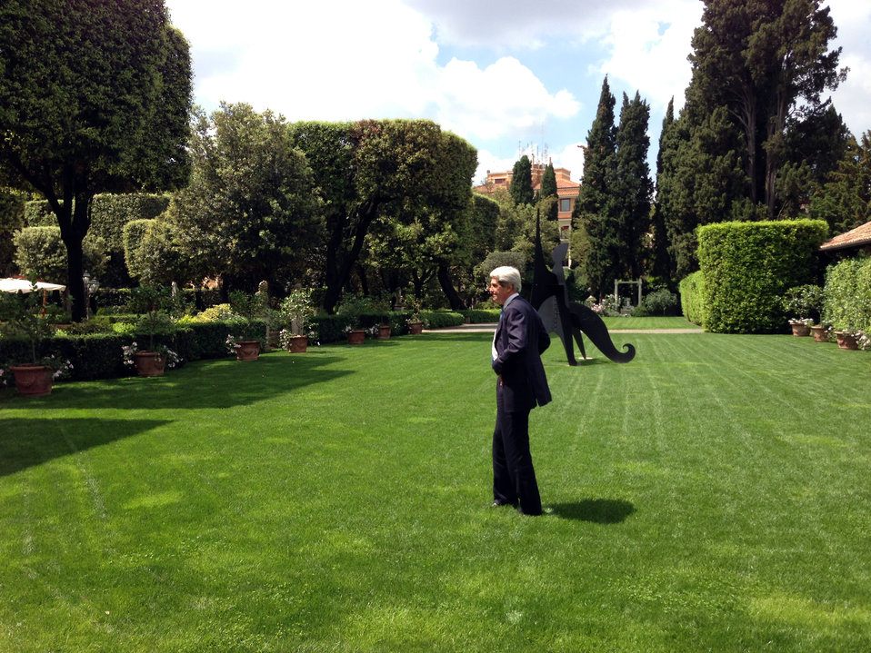 Secretary Kerry Enjoys a Moment of Solitude