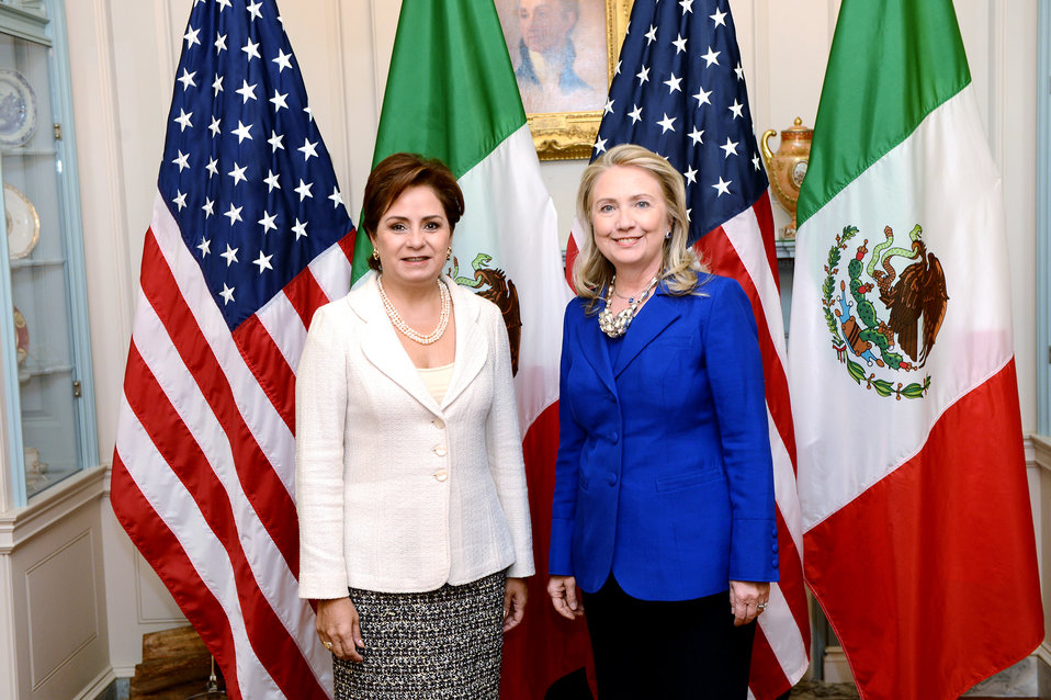 Secretary Clinton and Mexican Foreign Relations Secretary Espinosa Pose for a Photo