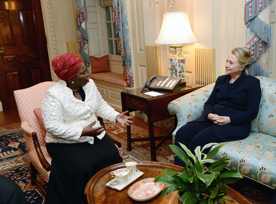 Secretary Clinton Meets With African Union Chairperson Dlamini-Zuma