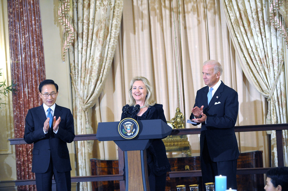 Secretary Clinton Delivers Remarks at State Luncheon