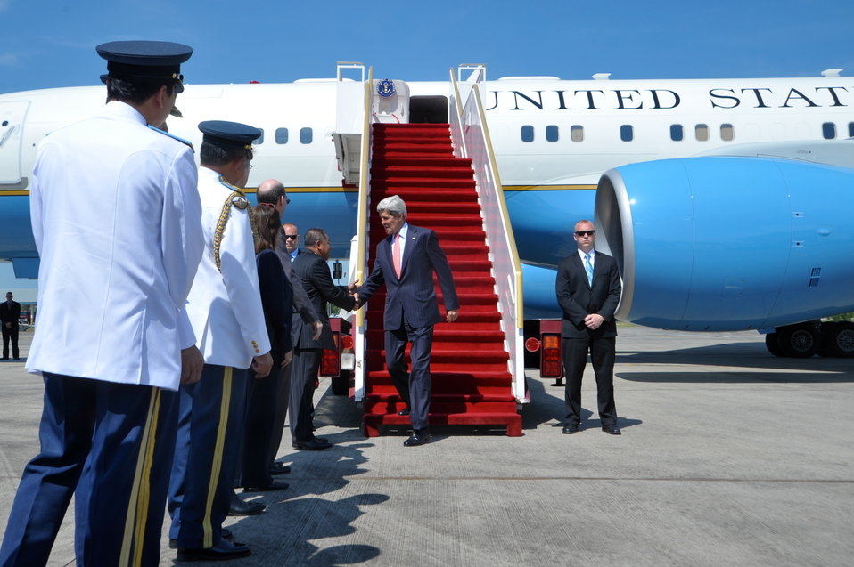 Secretary Kerry Arrives in Brunei for the ASEAN Meeting