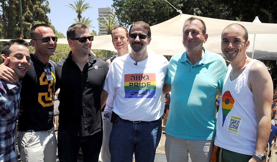 Ambassador Shapiro Participates in the Gay Pride Parade