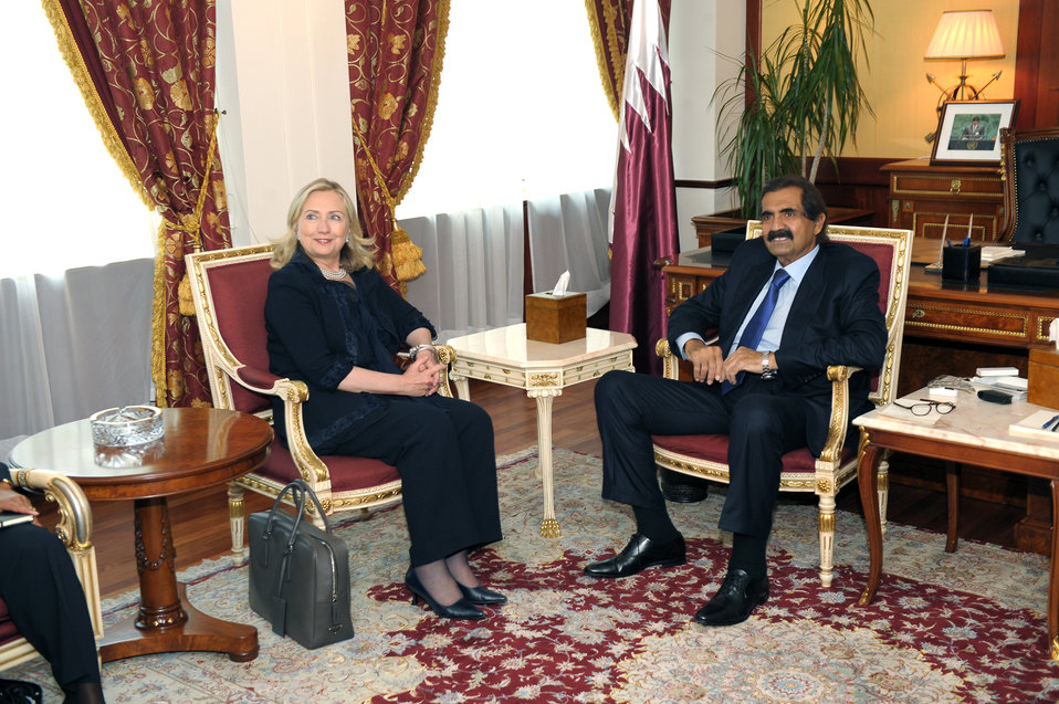 Secretary Clinton Meets With Qatari Amir Hamad bin Khalifa al-Thani