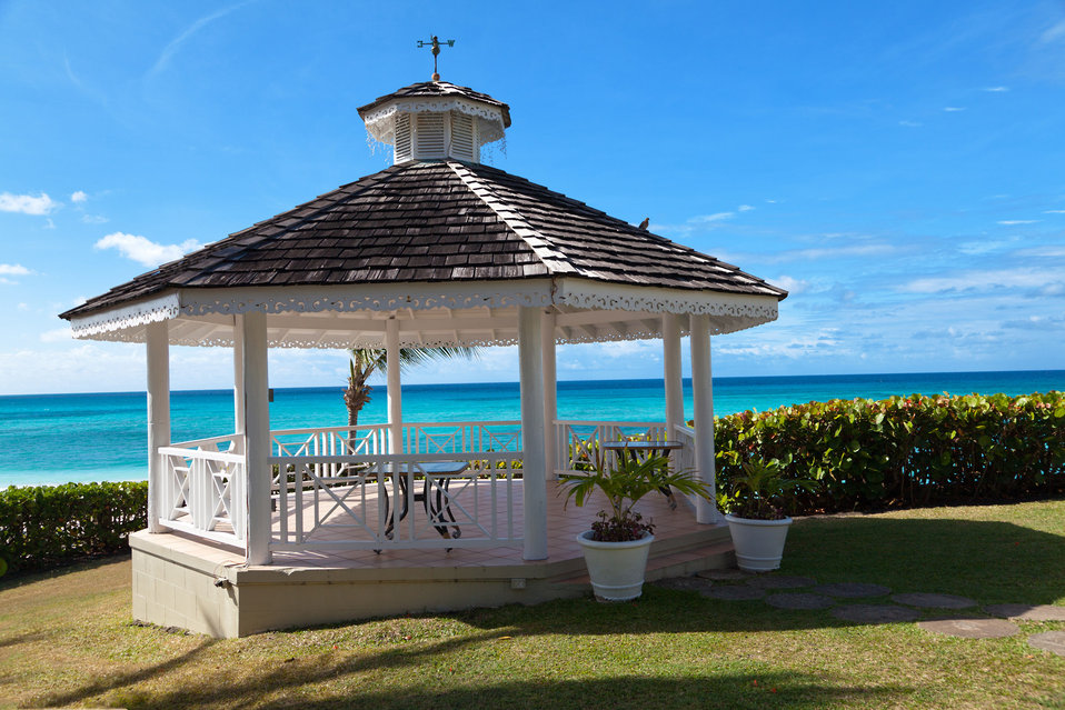 Wedding gazebo by the sea