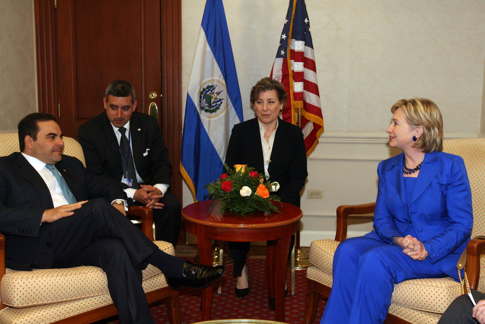 Secretary Clinton Meets With Outgoing Salvadoran President