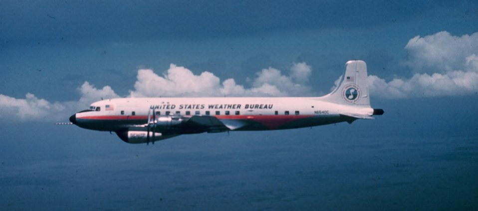 Weather Bureau DC-6 N6540C in flight