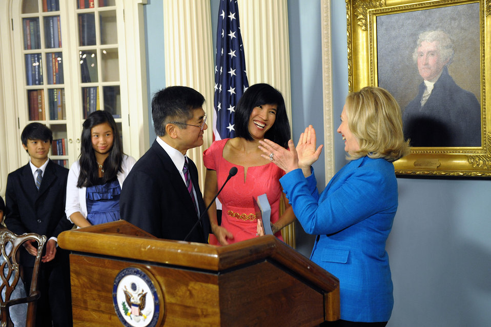 Secretary Clinton Swears in the Honorable Gary Locke as U.S. Ambassador to the People's Republic of China