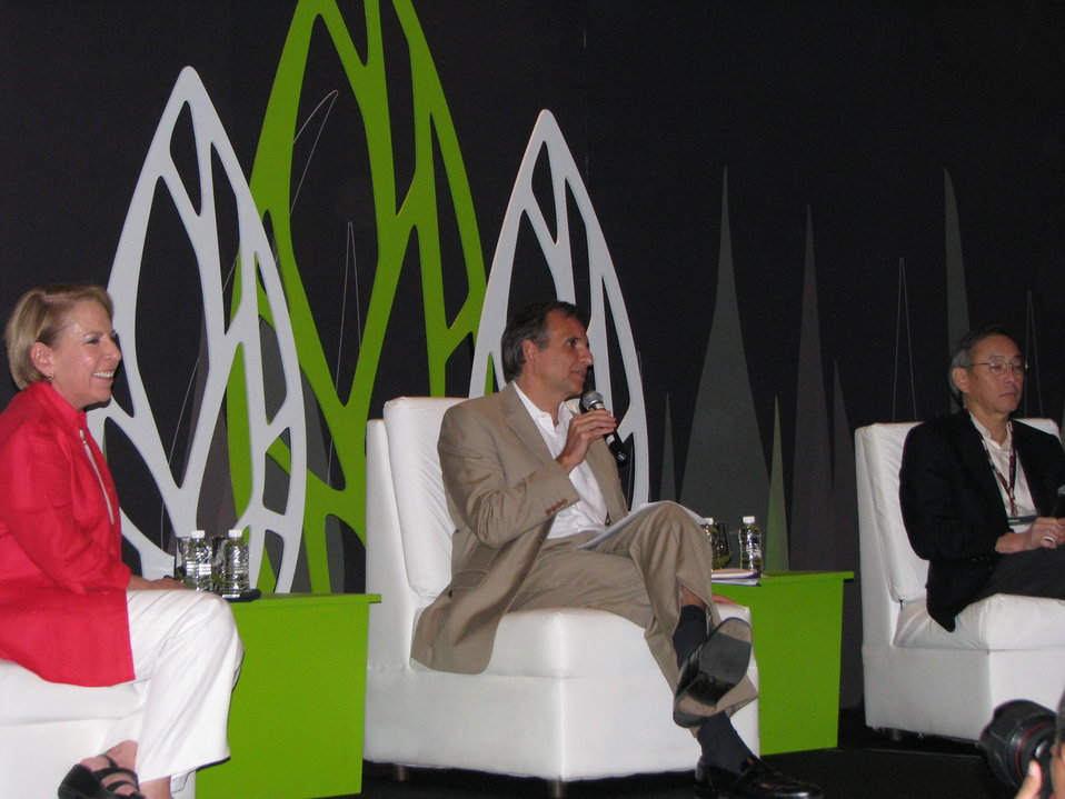 Ambassador Pascual Moderates a Green Solutions Panel