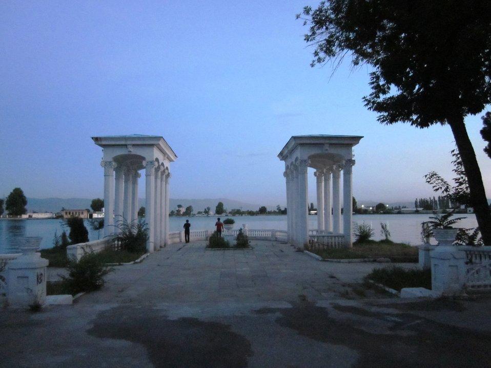 Lake Komsomol Glistens in Dushanbe