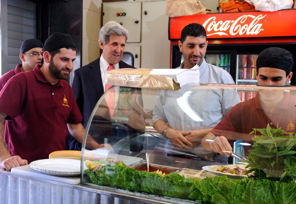 Secretary Kerry Watches His Shawarma Sandwich Being Prepared