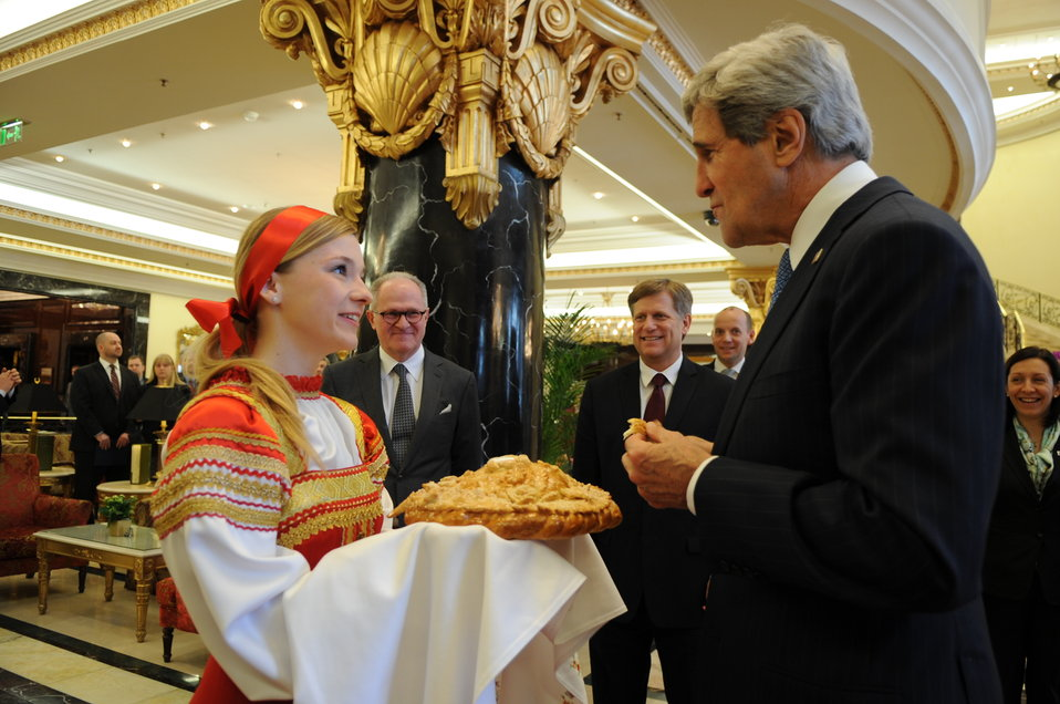 Secretary Kerry Enjoys Traditional Russian Bread and Salt