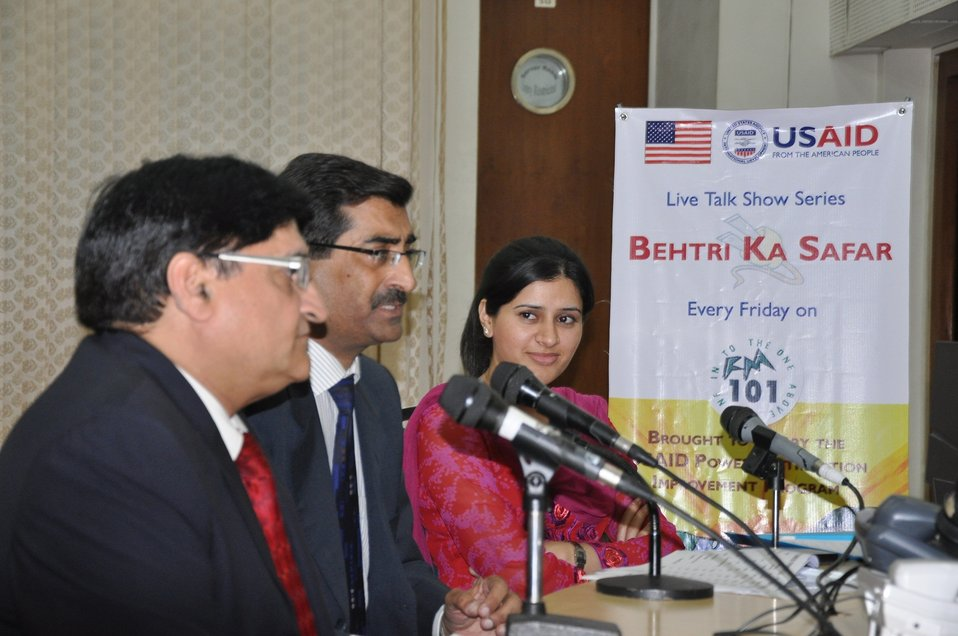 30 Sept, 2011 - Live Talk Show Series Every Friday 'Behtari Ka Safar' on FM 101