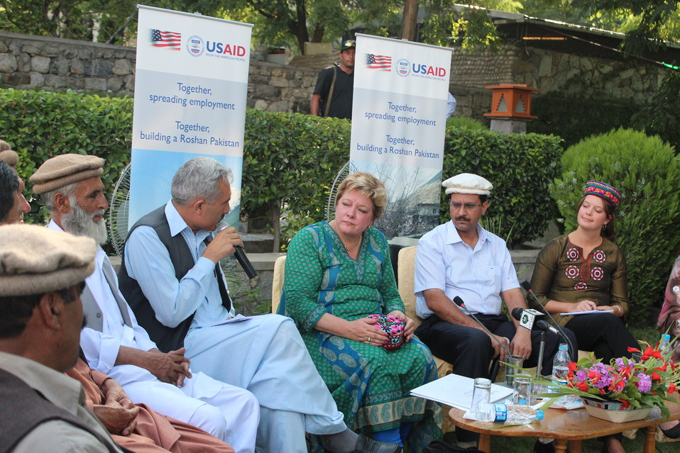 IMG USAID Deputy Country Director Karen  Freeman met with 6-8 beneficiaries from Gupis Rural Support Program