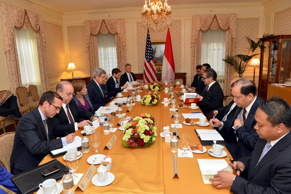 Secretary Kerry Meets With Indonesian Foreign Minister R.M. Marty Natalegawa