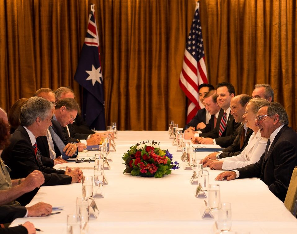 Secretaries Clinton and Panetta Meet With Australian Prime Minister Gillard, Foreign Minister Carr, and Defense Minister Smith