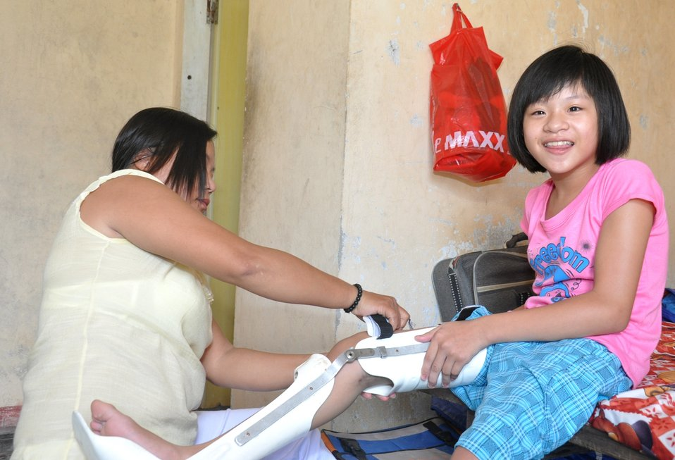 USAID supports rehabilitation for persons with disabilities in Danang.