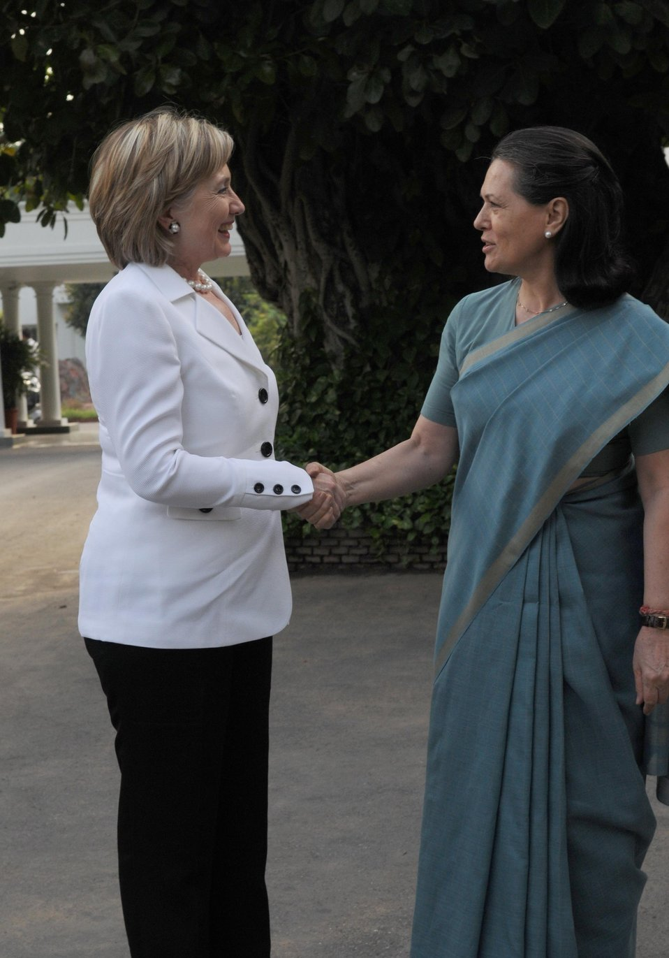 Secretary Clinton Meets With Indian Congress Party President