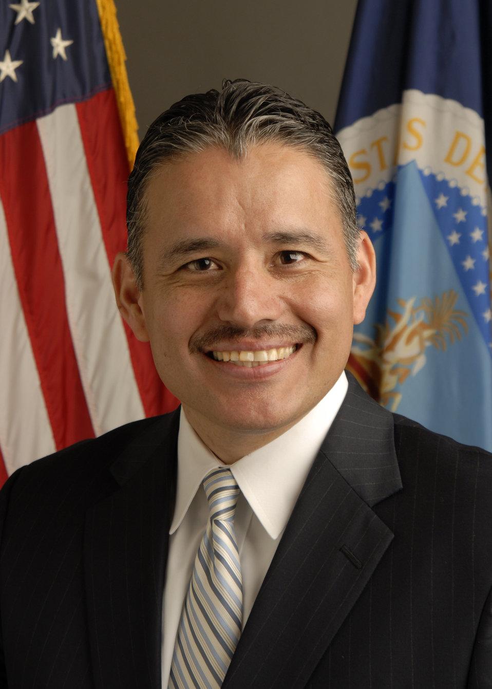 20110524-DM-KJH Deputy Assistant Secretary for Administration Oscar Gonzales