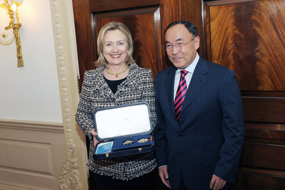 Secretary Clinton Accepts the Dostyk from Kazakhstan Foreign Minister Saudabayev