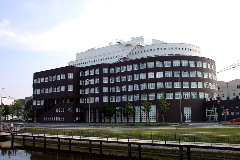 Alfred Wegener Institute at Bremerhaven.