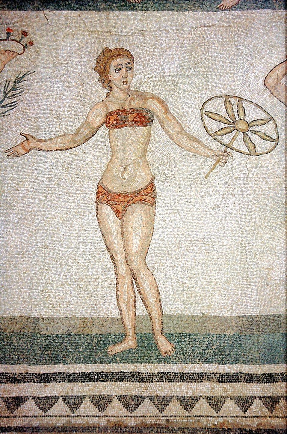 PiazzaArmerina-Mosaik-Bikini.jpg
