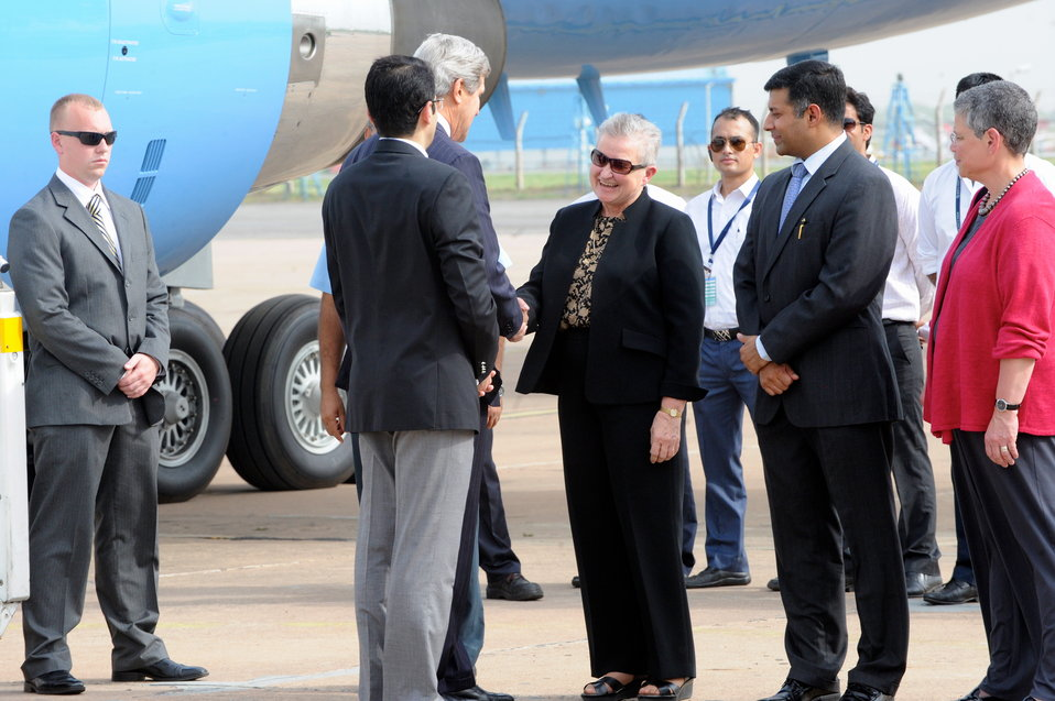 Secretary Kerry Arrives in New Delhi, India