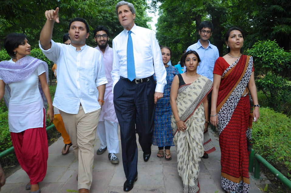 Secretary Kerry Chats With Young Indian Leaders