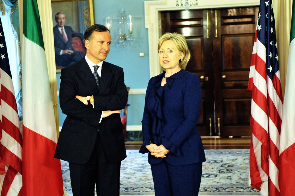 Secretary Clinton Meets With Italian Foreign Minister