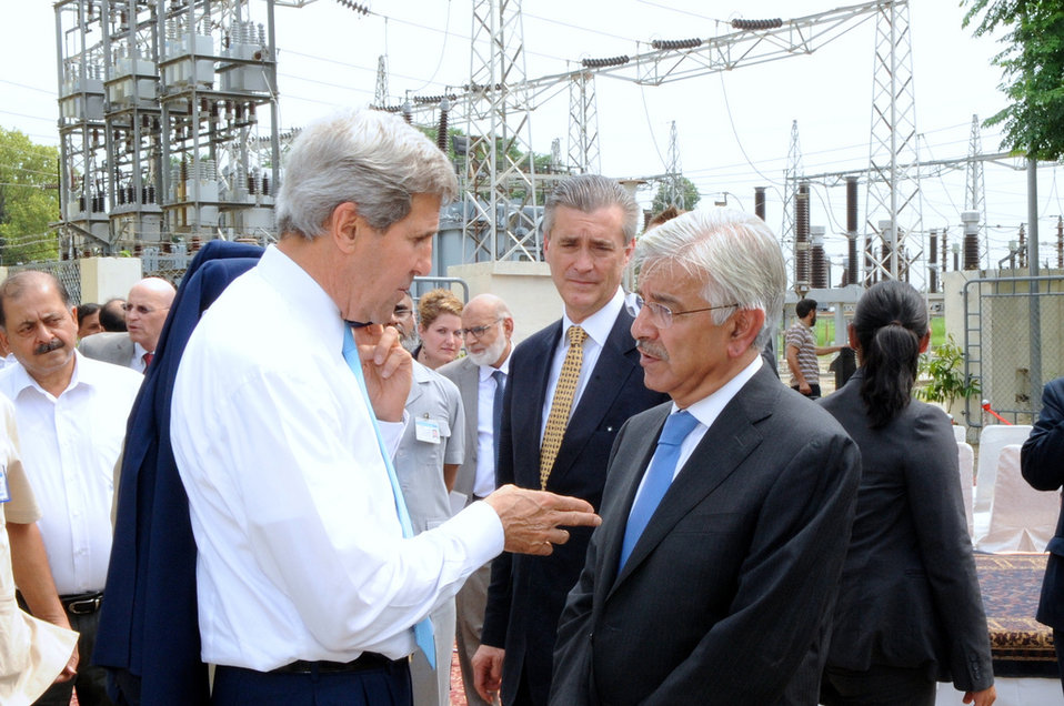 Secretary Kerry Speaks With Pakistani Power Minister Asif