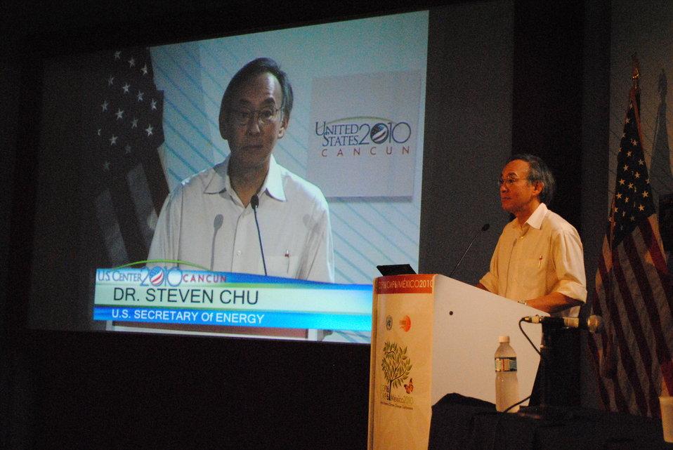 Secretary Chu Addresses the U.S. Center