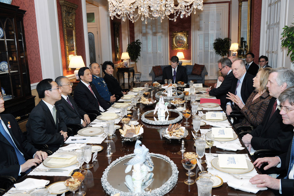 Secretaries Clinton, Geithner Co-Host a Reception in Honor of Chinese Vice Premier Wang, State Councilor Dai Bingguo