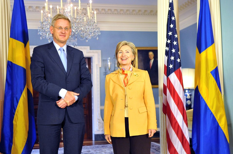 Secretary Clinton Meets With Swedish Foreign Minister