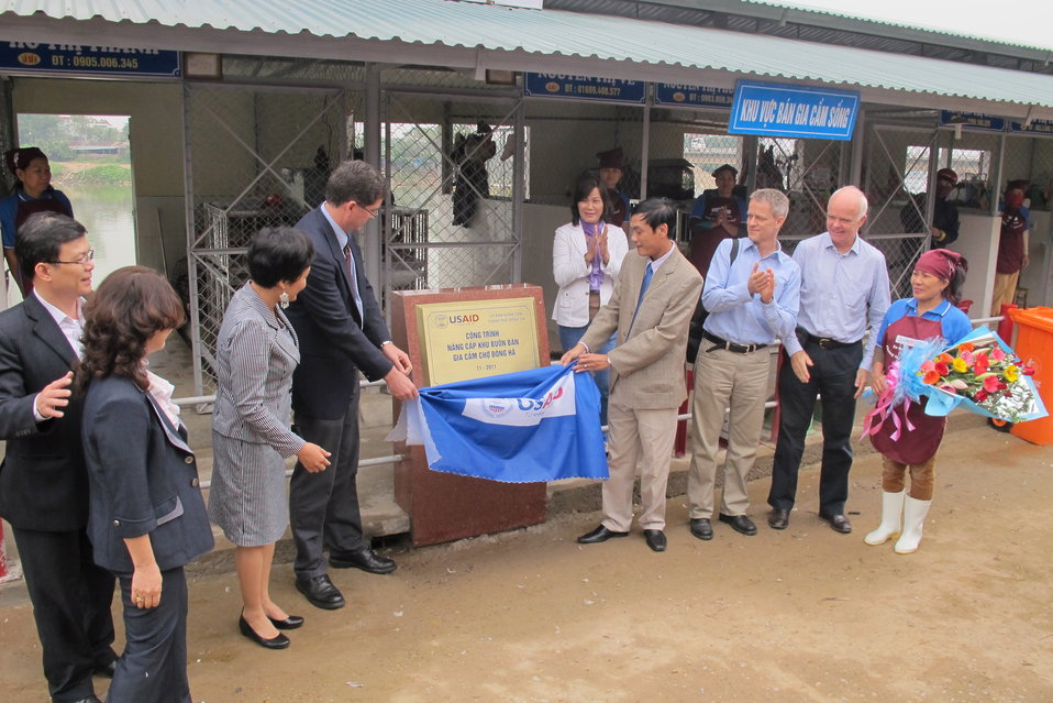 Picture Promoting Hygiene and Sanitation at Dong Ha Poultry Market