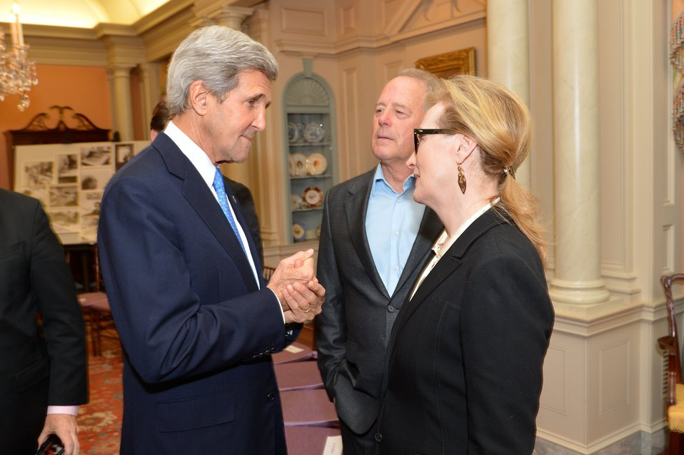 Secretary Kerry Speaks With American Actress Meryl Streep