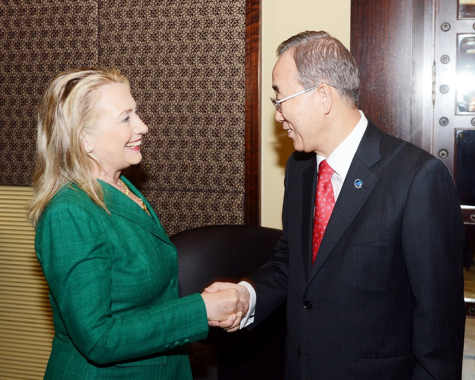 Secretary Clinton Shakes Hands With UN Secretary-General Ban Ki-moon