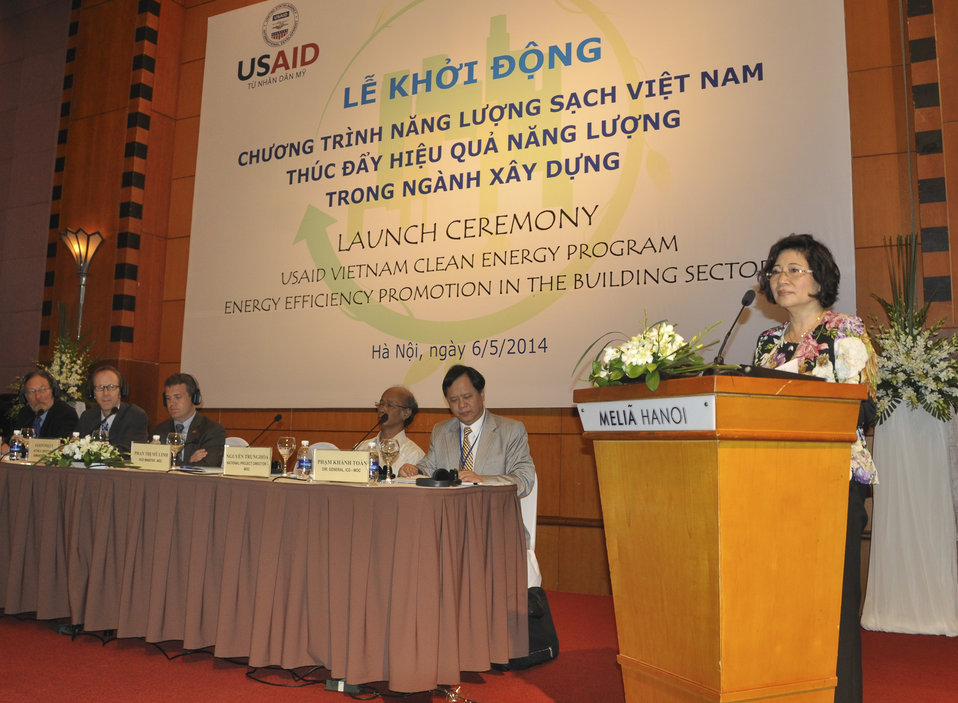 Ms. Phan Thi My Linh, Vice Minister of Vietnam's Ministry of Construction, speaks at the launching ceremony