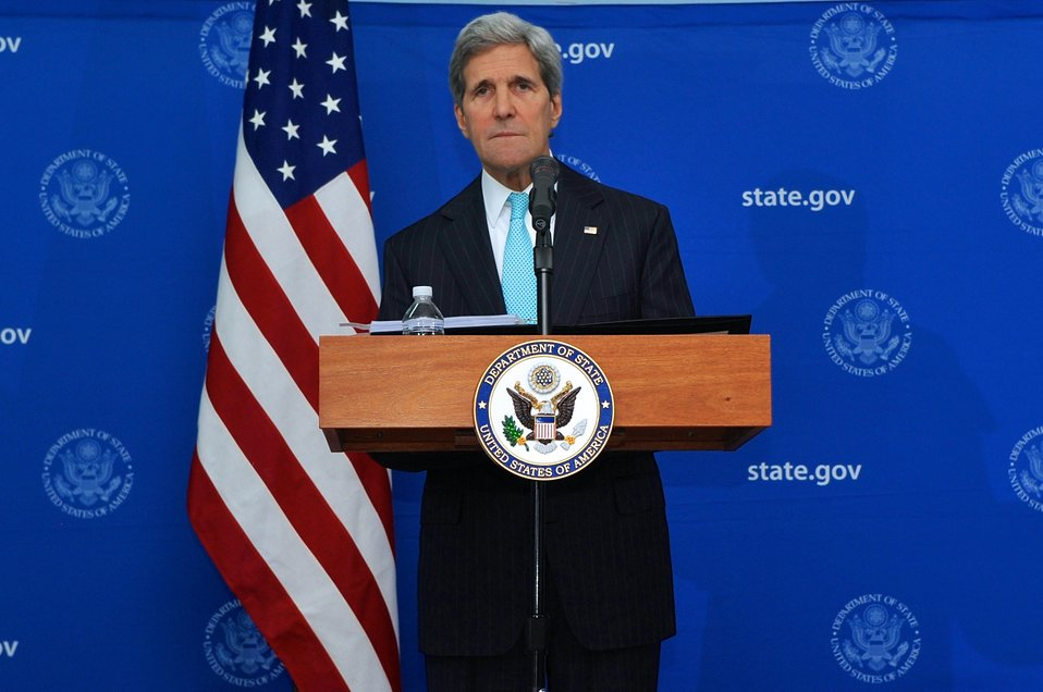 Secretary Kerry Addresses Reporters During News Conference in Juba