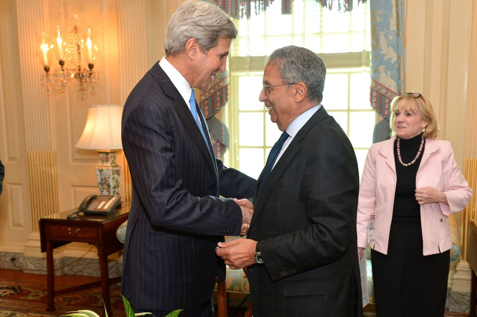 Secretary Kerry Greets Former Arab League Secretary-General Moussa