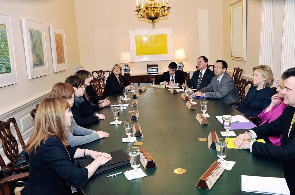 Secretary Clinton Hosts a Meeting With Belarusian American Activists
