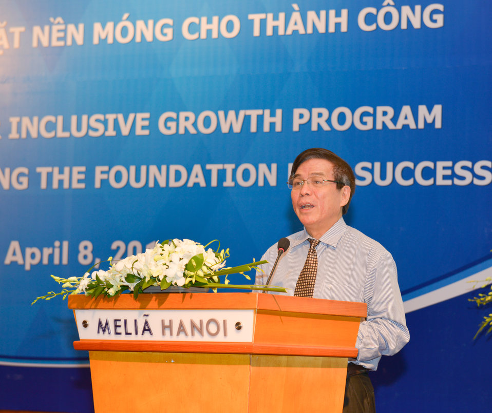 Vietnam's Vice Minister of Justice Hoang The Lien speaks at the strategic kick-off workshop.
