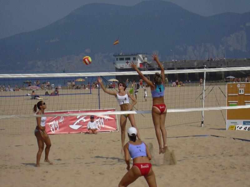Beach Volleyball Spanish Championship 2004 in Laredo (Cantabria) Español:  Campeonato de España de Vóley Plata 2004 en Laredo (Cantabria) Français:  Championnat d'Espagne de Beach Volley en 2004 à Laredo (Cantabria)