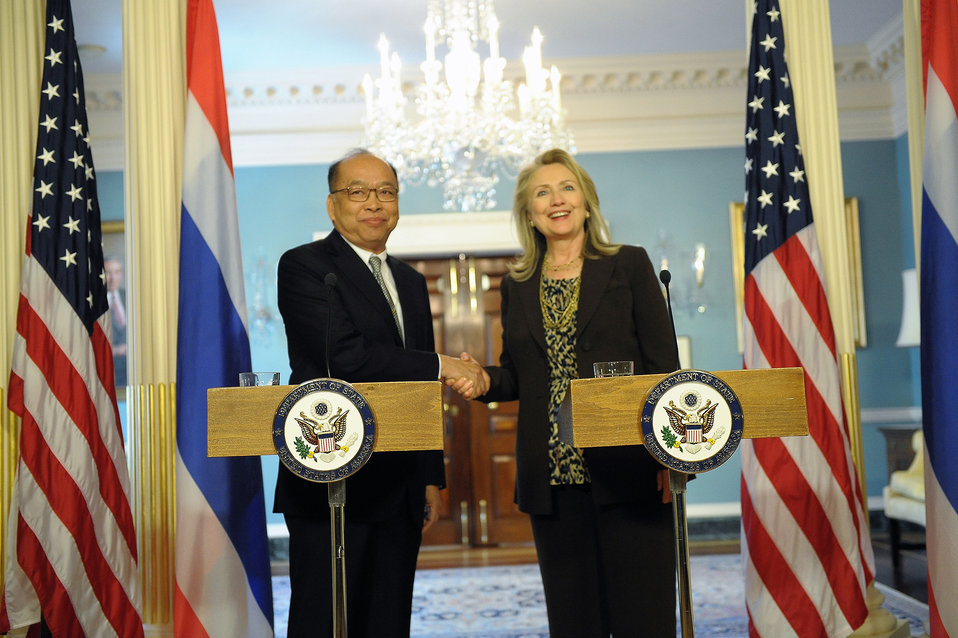 Secretary Clinton Delivers Remarks With Thai Foreign Minister Tovichakchaikul