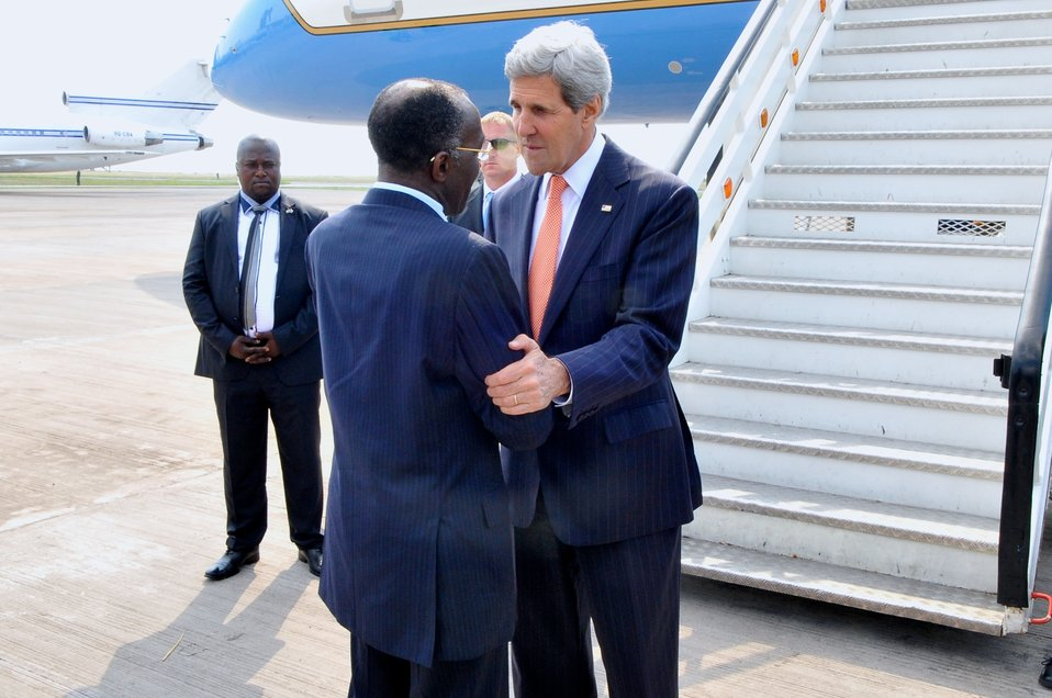 Democratic Republic of Congo Foreign Minister Tshibanda Greets Secretary Kerry